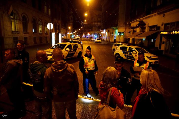 Percekkel a robbantás után lezárta a rendőrség a környéket