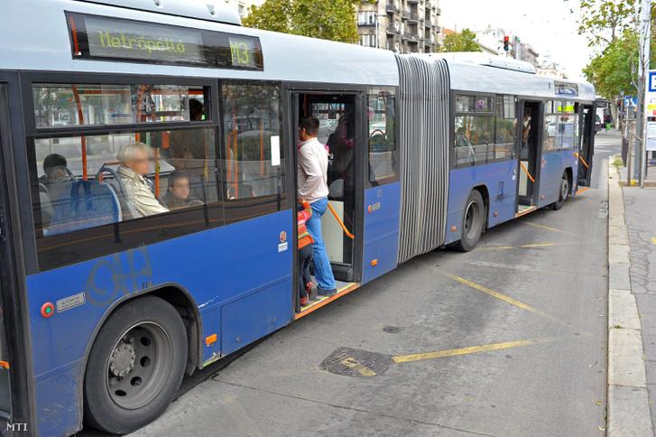 DLAPE20111008016
