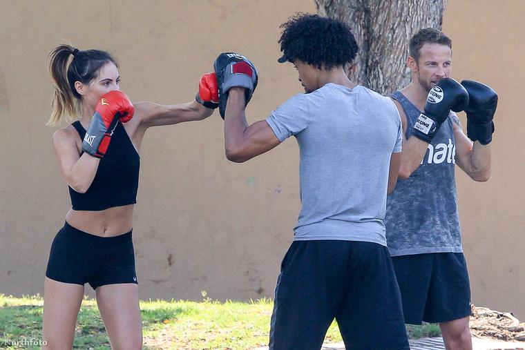 Edzés után még egy kis boksz is belefért a személyi edzővel