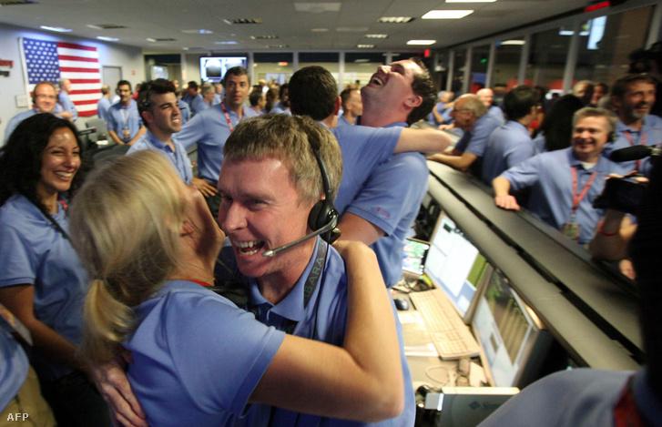 A Curiosity sikeres landolását ünnepelték 2012 augusztusában
