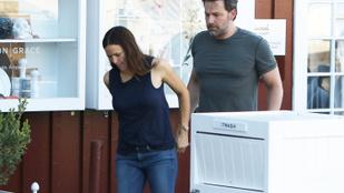 Ben Affleck megfogta Jennifer Garner kezét