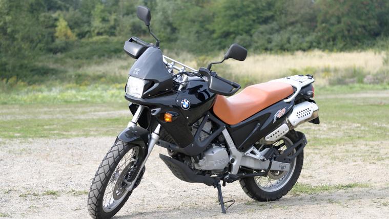 BMW F 650 ST jobb, ha utcai használat az elsődleges cél