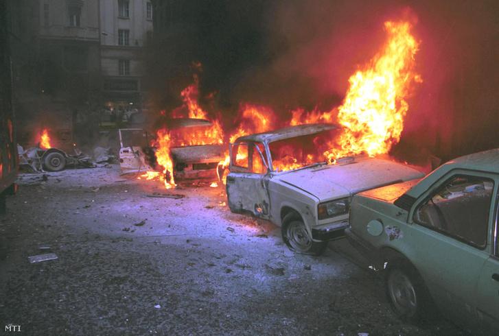 Az Aranykéz utcában több ember halálát okozó merénylet volt 1998. július 2-án. Távirányítással fölrobbantottak egy Polski Fiat 126 gépkocsiba rejtett pokolgépet. A hatalmas robbanás megölte Boros Tamás vállalkozót valamint több járókelőt.