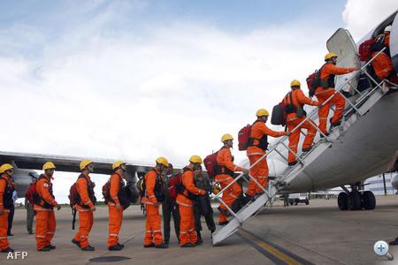 Oroszország három repülőgépet küldött mentőkkel, orvosokkal, a földrengés utáni mentéshez szükséges berendezésekkel. Az egyik Il-76-os gép egy komplett mobil repülőkórházat vitt a szigetországra.