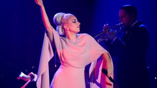 2017-ben Lady Gaga feszíti szét a Super Bowl félidejét