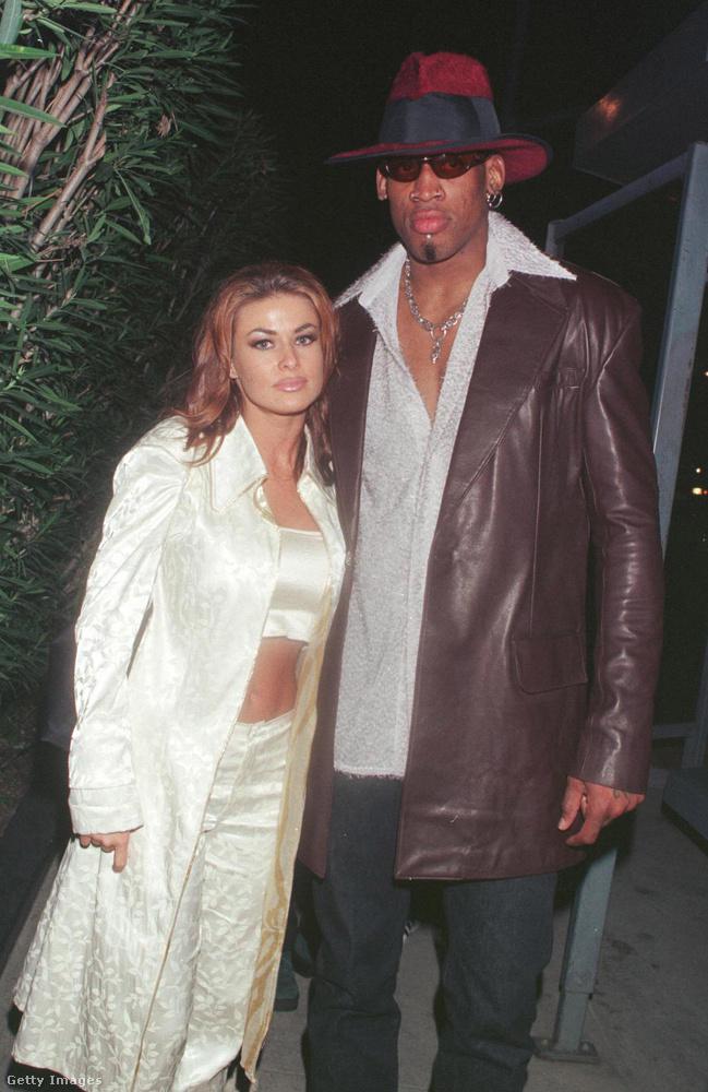 Carmen Electra modell '98-ban ment feleségül a Dennis Rodman kosárlabdázóhoz, de a házasság nem működött, egy év múlva már el is váltak