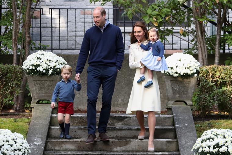 Vilmos herceg, felesége, Katalin hercegné és gyerekeik még mindig Kanadában vannak, ahova diplomáciai teendőik miatt utaztak.
