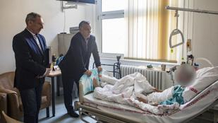 A miniszterelnök is meglátogatta a Teréz körúti robbantásban megsérült rendőröket