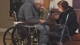 Újra együtt lehet a 62 év után szétválasztott idős házaspár