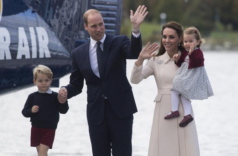 A brit hercegi család Kanadában turnézott a gyerekekkel, és persze mindvégig annyira tökéletesen néztek ki, mint akik most léptek ki egy Quelle-katalógusból.