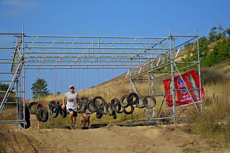 Vasárnap a piliscsévi Motocross pályán bizony sokat kellett.