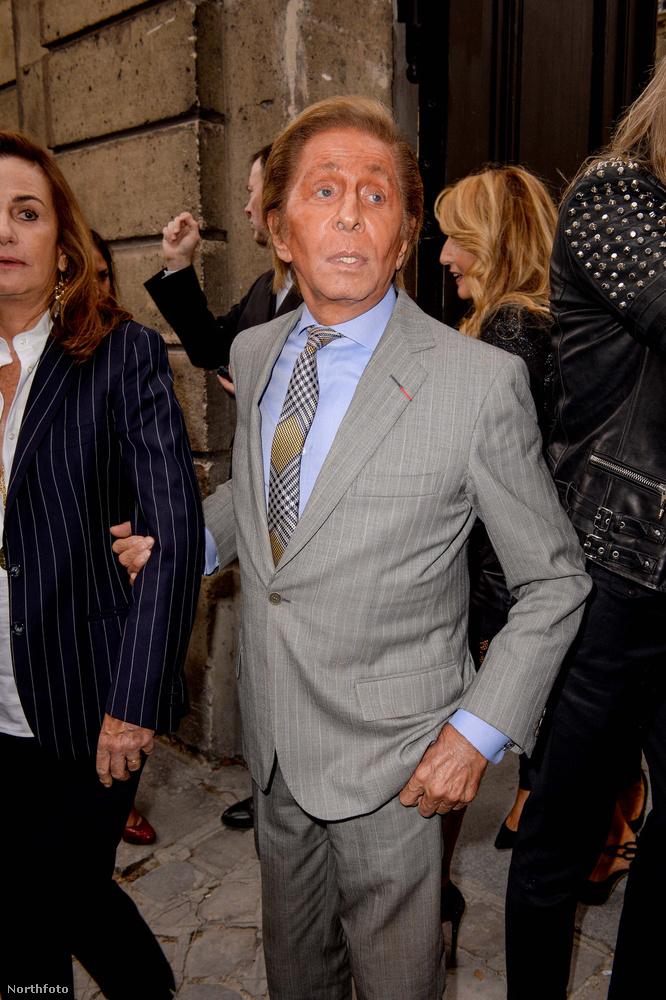 Végül pedig nézze meg a konstansan narancssárga Valentinót, aki a saját divatbemutatójára érkezett.