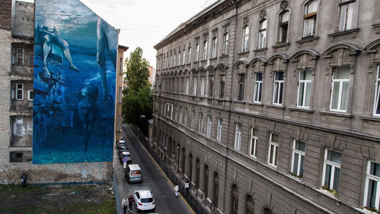 SzinesVarosBudapest lengyel muveszek fala Ulloiut fotos FarkasAn