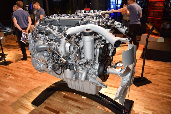 A kisebbik soros, hathengeres motor: a hosszú távú árufuvarozásban ez az elterjedtebb motorcsalád