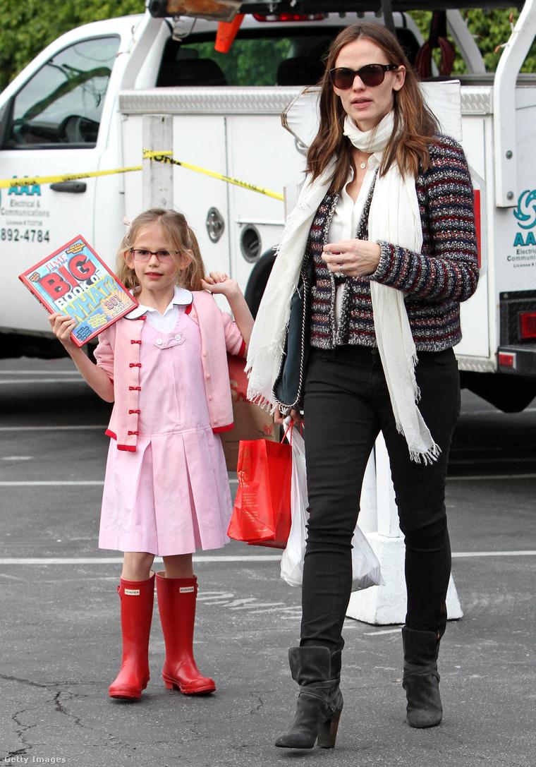 Még 2013-ban, bevásárlás közben Victoria Affleck és Jennifer Garner