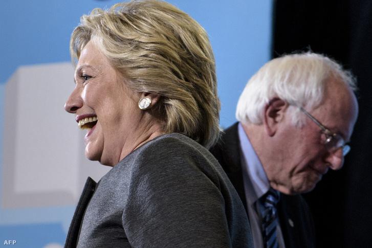 Bernie Sanders és Hillary Clinton a New Hampshire-i Egyetemen tartott kampányrendezvényen, 2016. szeptember 28-án.