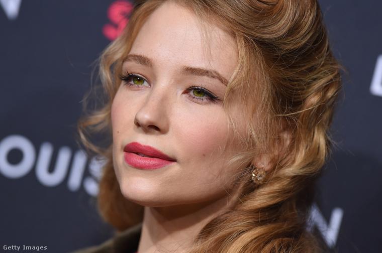 ...néha pedig Cate Blanchettre...?