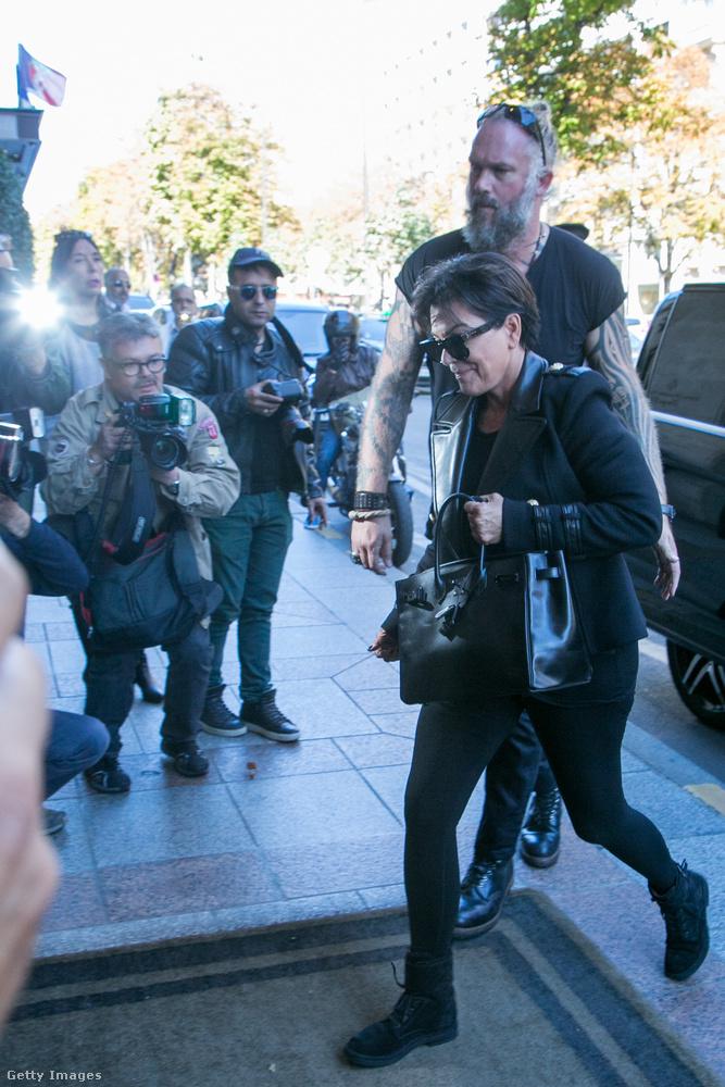 De Kris Jenner testőre mellett sem mehettünk el szó nélkül.Most jöjjenek azok a hírességek, akik ki tudtak lépni az általuk védett sztár árnyékából.