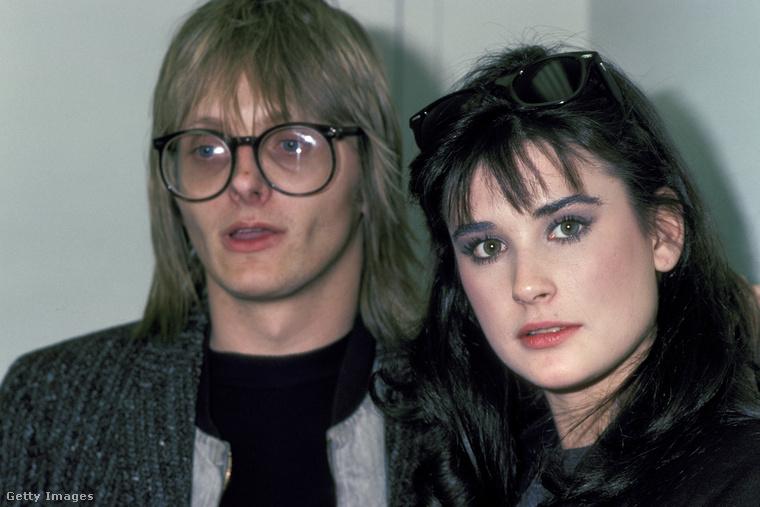 Na de nézzük Moore arcának evolúcióját, honnan és hogyan alakult mostani állapotába.Ez a fotó 1982-ben készült, a képen a színésznő mellett Freddy Moore-t láthatja, Demi Moore akkori férjét, akitől nevét kapta - és meg is tartotta azt.