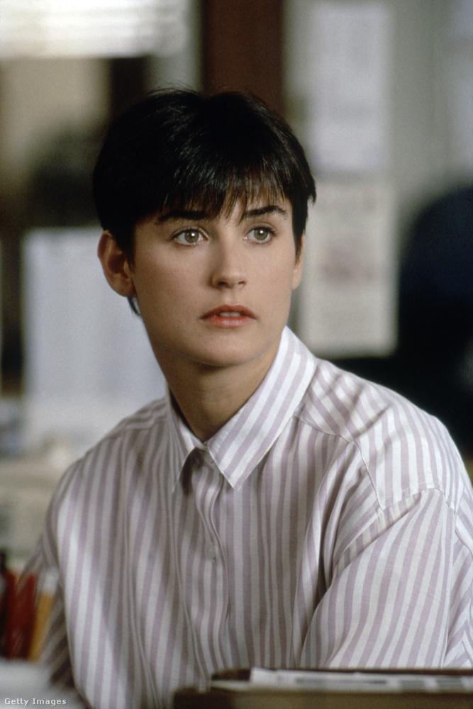 A 90-es évekre már átalakult egy kicsit, de erről még csak a biológia tehetett.A kép egyébként 1990-ben, a Ghost forgatásán készült.