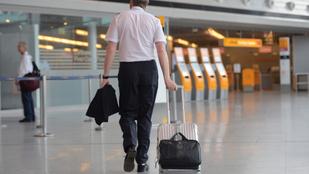 Ittas pilótát csíptek el egy nemzetközi járaton