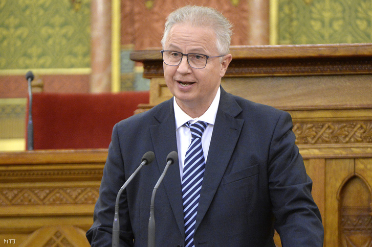 Trócsányi László igazságügyi miniszter