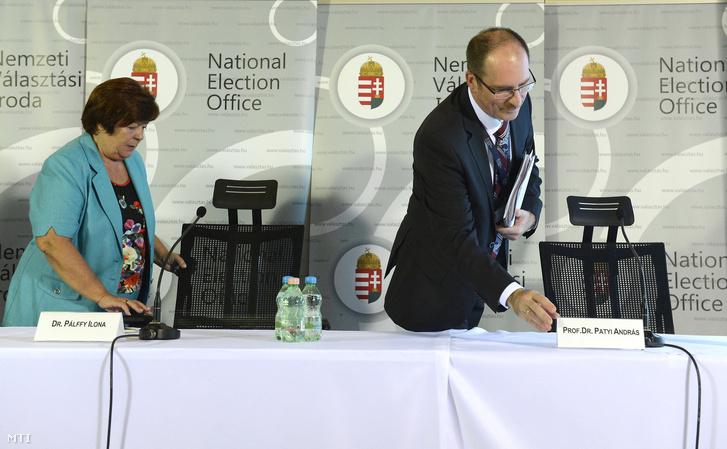 Pálffy Ilona a Nemzeti Választási Iroda elnöke és Patyi András a Nemzeti Választási Bizottság elnöke.
