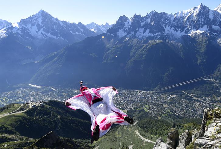 Madárember Chamonix felett