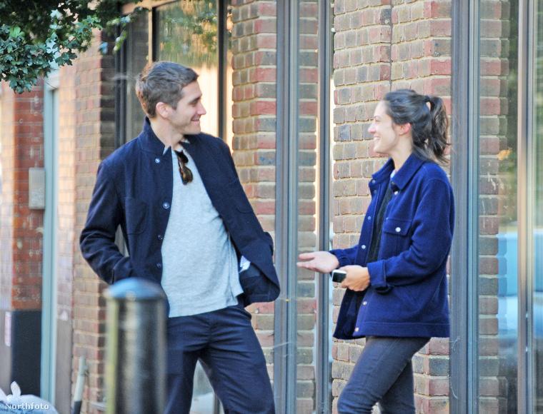 Ha esetleg lemaradt volna róla, Jake Gyllenhaal egyik különleges képessége, hogy bárkire tud szerelmesen nézni.