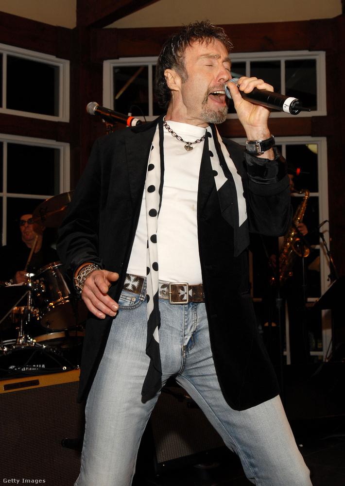 Idén nyáron Paul Rodgers, a Free zenekar énekese is felháborodott azon, hogy engedély nélkül használták fel a kampány során a zenekar All Right Now című számát.