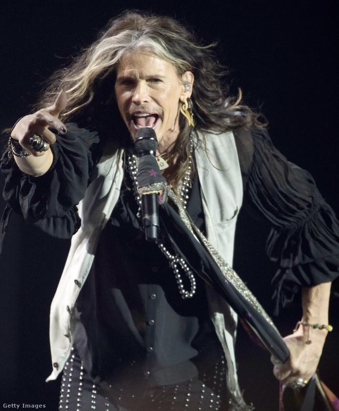 Az Aerosmith énekese, Steven Tyler régebben jóban volt az amerikai elnökjelölttel, de aztán ő is az ellenzők táborába állt