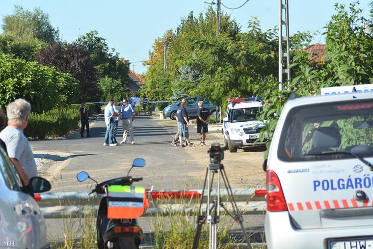 A gyanú szerint S. Dan augusztus 31-én lőtte le a házaspárt a Friss utcai házukban, a 7 éves ikreket életben hagyta.