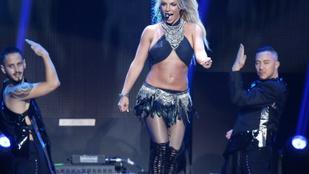 Britney Spears nem viccel, ha kézenállásról van szó