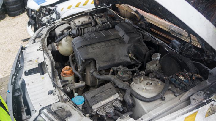 Az 1,9 DDIS nevű motor a PSA konszerntől került a Suzukiba. A motorblokk gyakori de az összes periféria ritkaság és persze mind elromlik