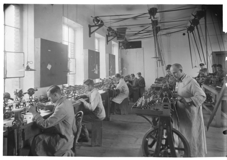 Süss Nándor-féle PreciziósMechanikai Intézet Rt, szerelő műhely, 1928
