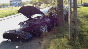 Szanaszét törtek egy vadiúj Jaguart a III. kerületben