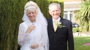 50. házassági évfordulójukat esküvői ruhájukban ünnepelték