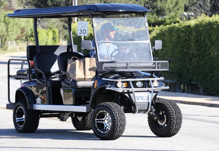 Bár feltételezhető az is, hogy véletlenül nyúlta le a közeli golfpályáról