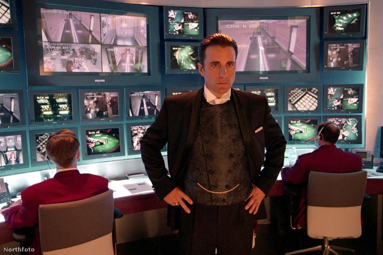 Az Ocean's Eleven forgatásán is hasonlóan fess volt.