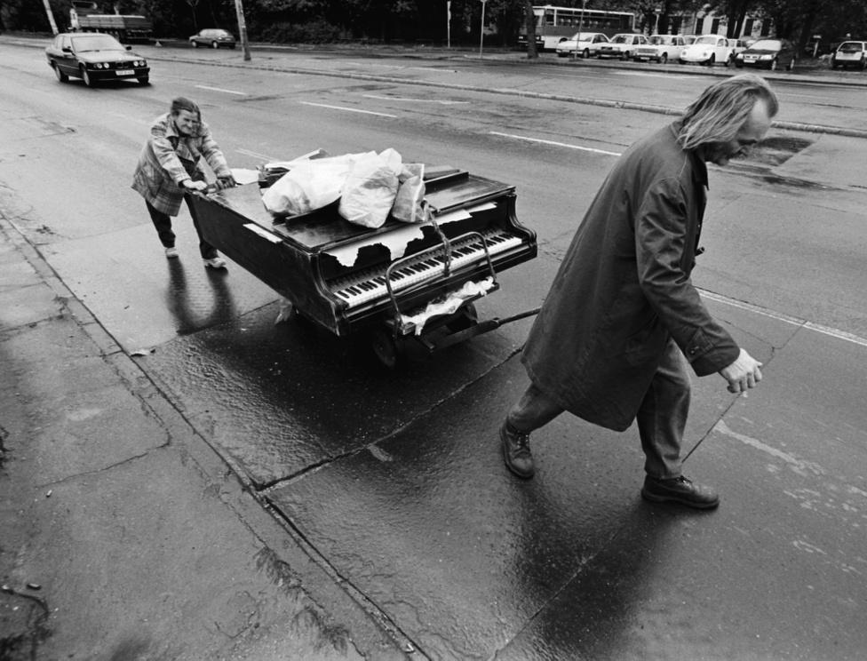 Szerzemény, 1998