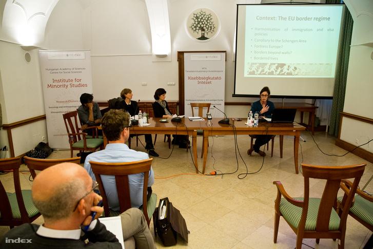 """""""A menekültekkel való szolidaritás az európai civil társadalomban"""" című műhelykonferencia"""