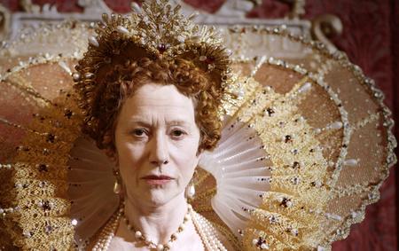 Helen Mirren Erzsébetként