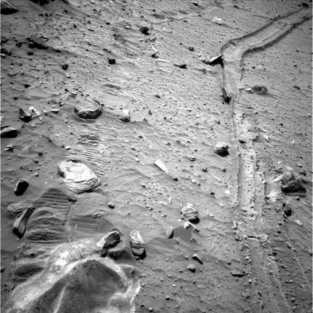 Az elakadt Spirit nyomai a Marson (fotó: AFP/NASA)