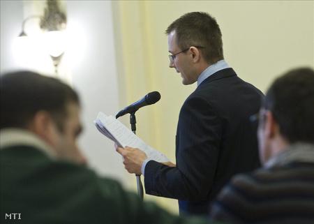 Zuschlag a Bács-Kiskun Megyei Bíróság tárgyalótermében