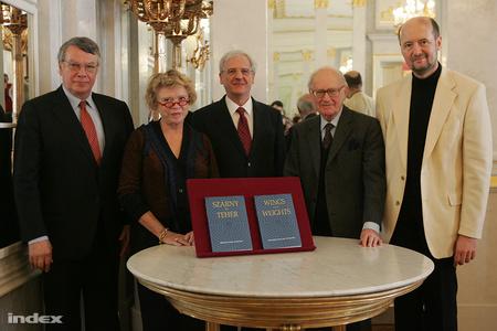 balról jobbra: Fodor István, Eva Joly, Sólyom László, Lámfalusi Sándor és Csermely Péter