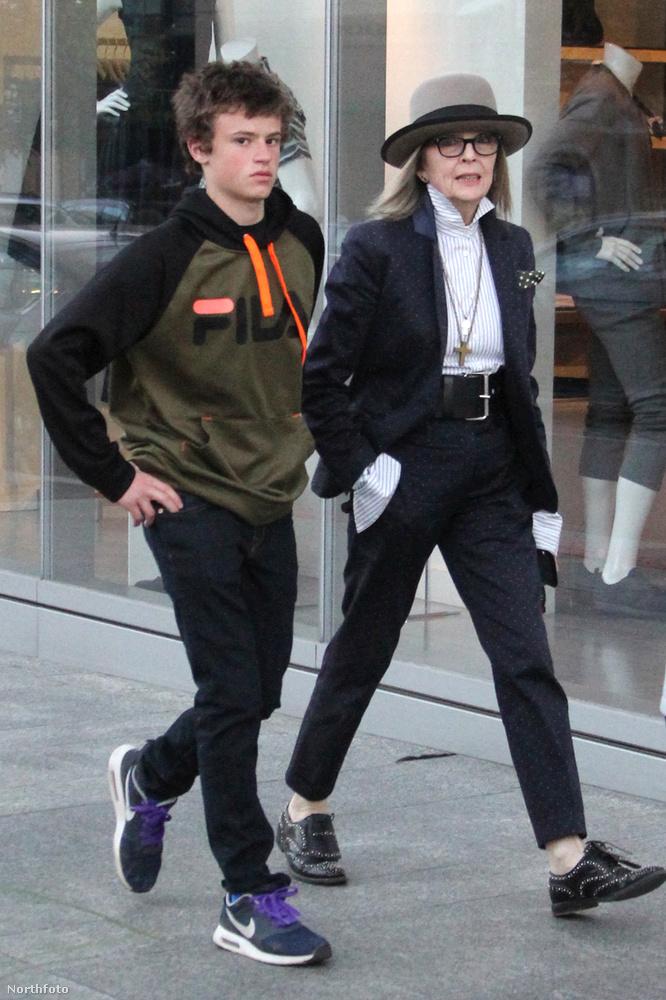 Diane Keaton szintén az örökbefogadást preferálta, és szintén egyedül döntött emellett