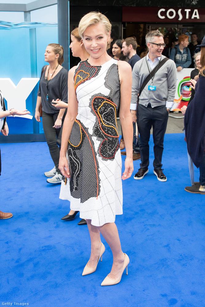 Képünkön Portia de Rossi színésznő, aki már 8 éve van együtt Ellen DeGeneres tévés nagyasszonnyal.
