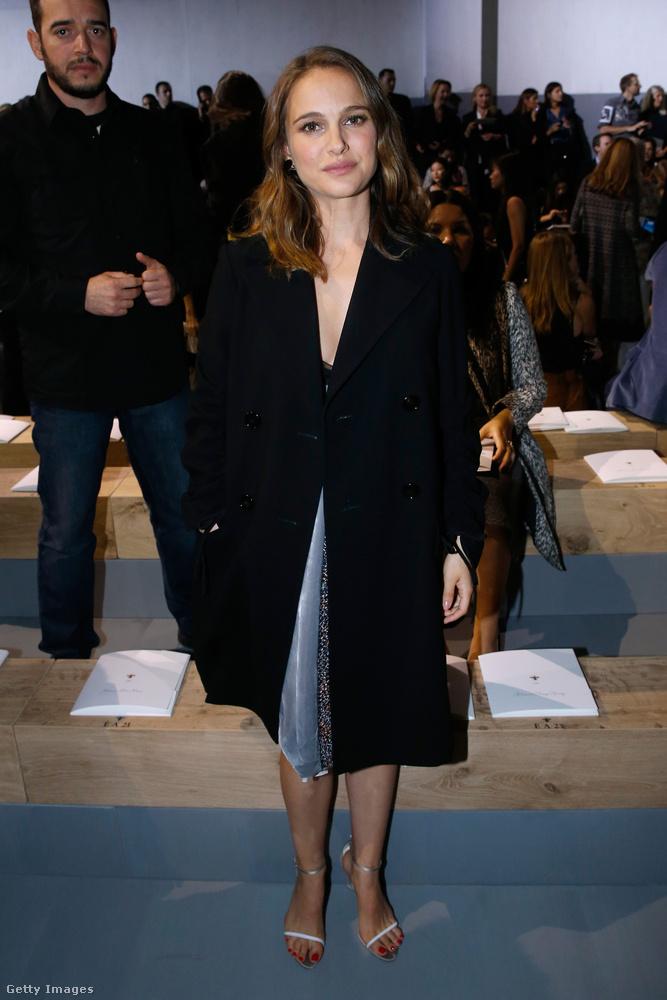 Natalie Portman, aki karrierje és magánélete csúcsának küszöbén áll, szintén rendelkezik híres hasonmással.