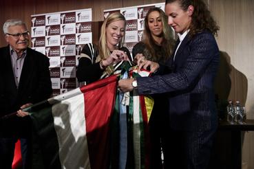 A riói olimpia szalagját kötötték a zászlóra