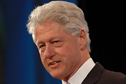 bill clinton lead